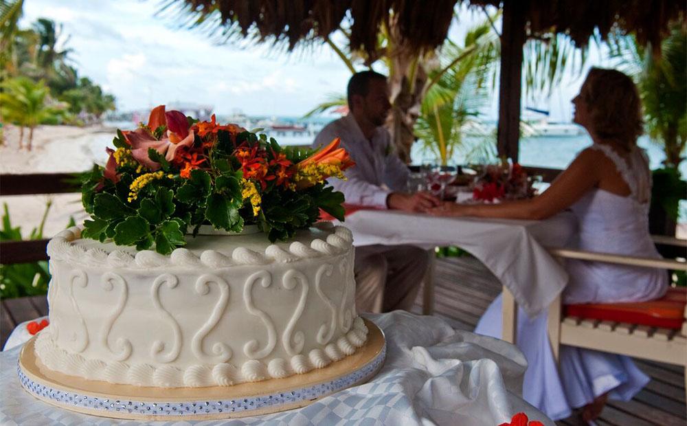 cake-couple-palapa-optimized